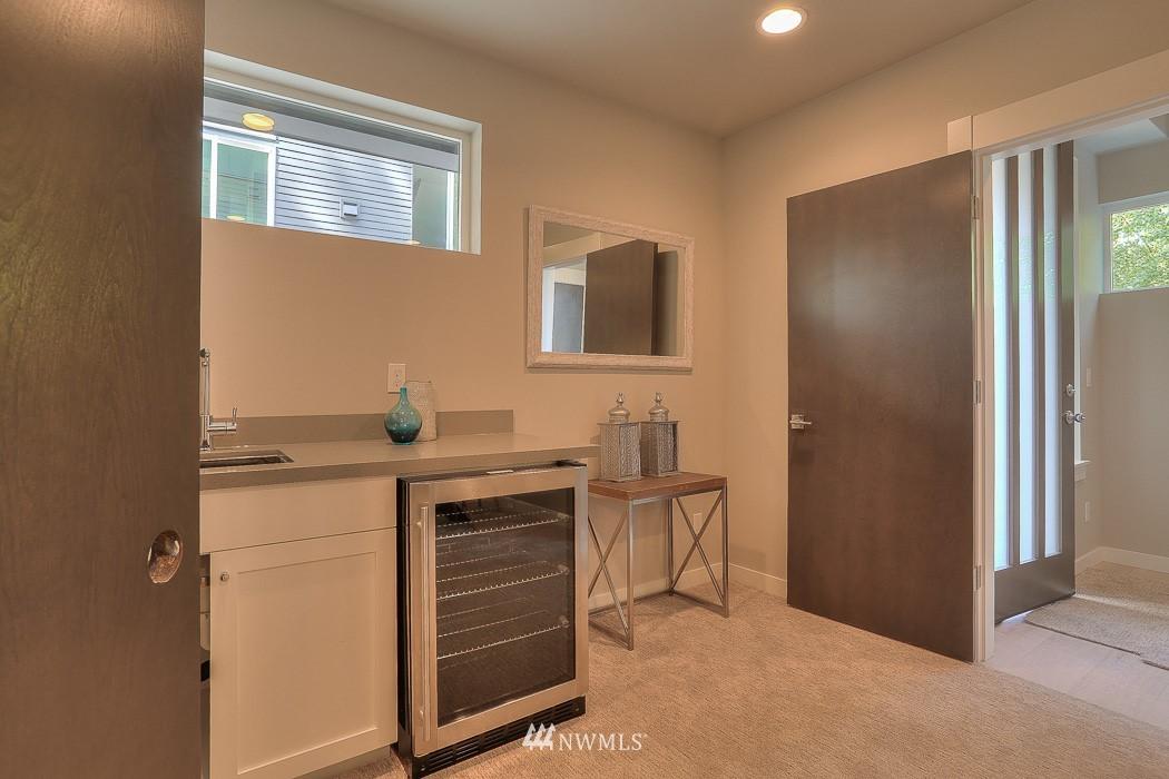 Sold Property   3713 S Dawson Street Seattle, WA 98118 20