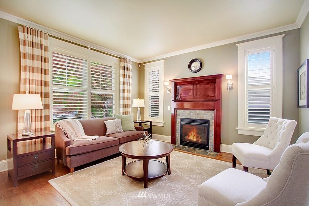Sold Property | 4537 49th Avenue NE Seattle, WA 98105 3