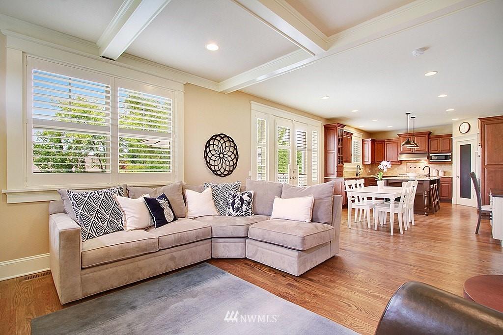 Sold Property | 4537 49th Avenue NE Seattle, WA 98105 6