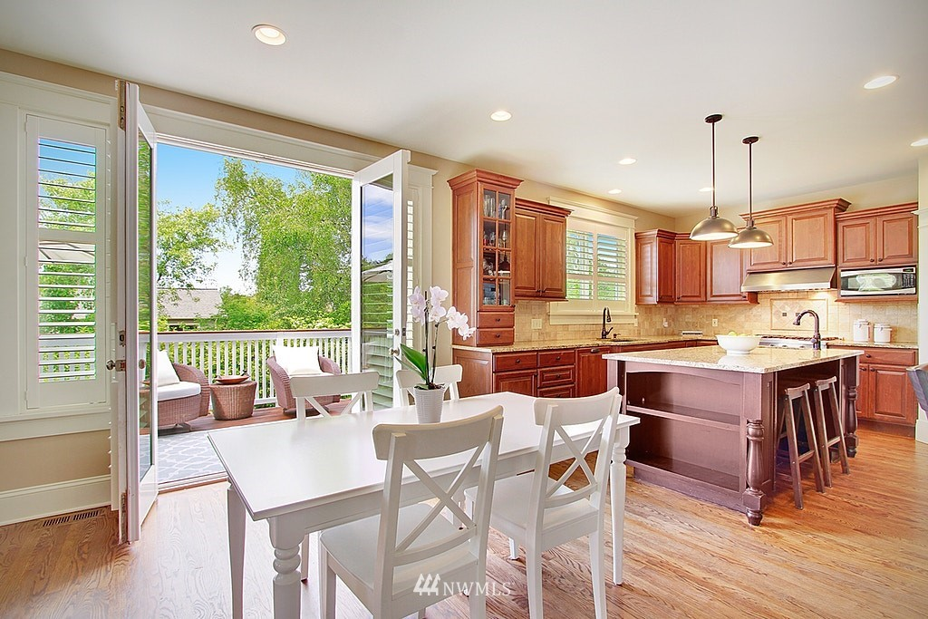Sold Property | 4537 49th Avenue NE Seattle, WA 98105 7
