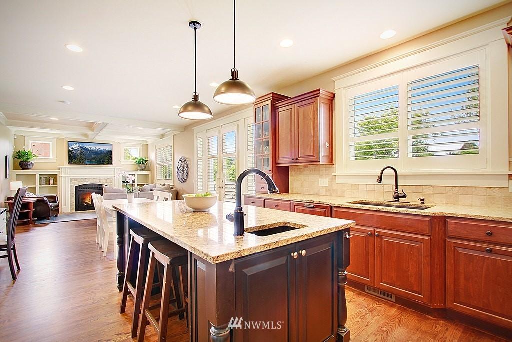 Sold Property | 4537 49th Avenue NE Seattle, WA 98105 9