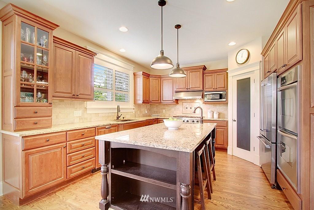 Sold Property | 4537 49th Avenue NE Seattle, WA 98105 10