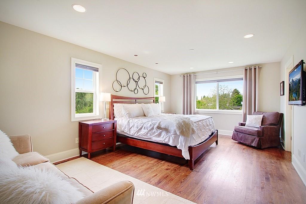 Sold Property | 4537 49th Avenue NE Seattle, WA 98105 13