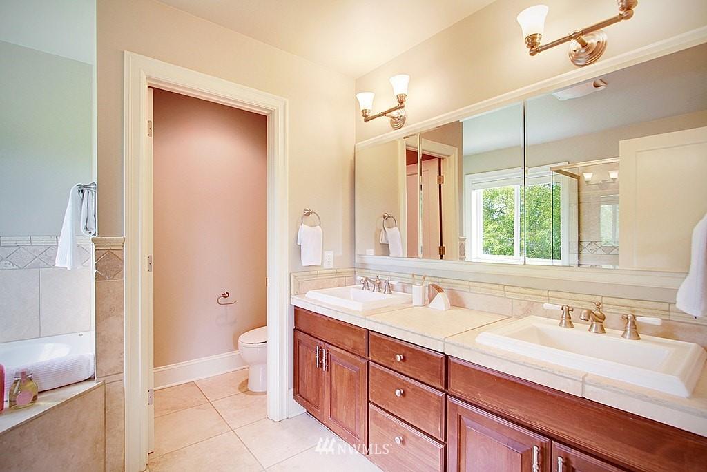 Sold Property | 4537 49th Avenue NE Seattle, WA 98105 14