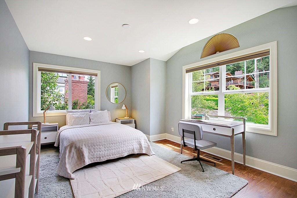 Sold Property | 4537 49th Avenue NE Seattle, WA 98105 18