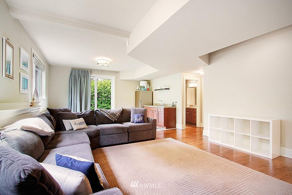 Sold Property | 4537 49th Avenue NE Seattle, WA 98105 20