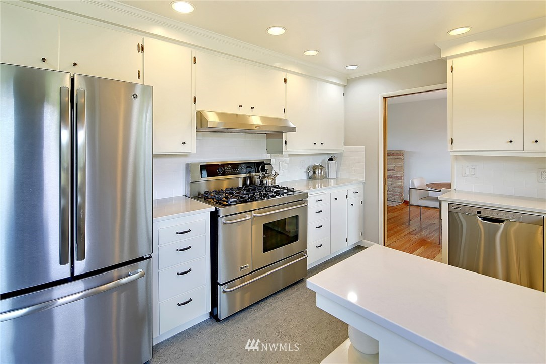Sold Property   8712 22nd Avenue NW Seattle, WA 98117 7