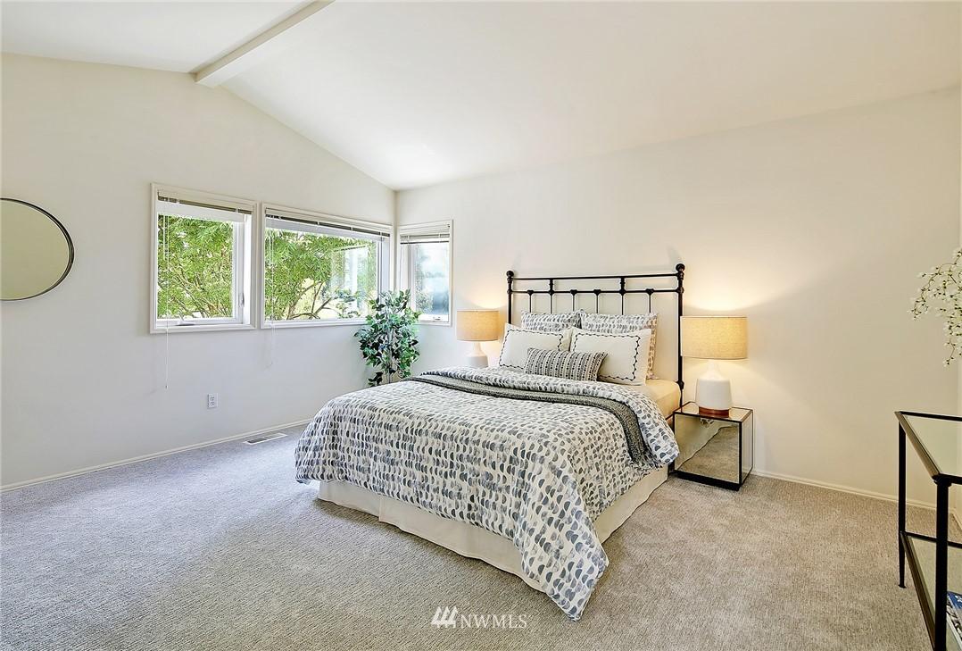 Sold Property   17809 39th Avenue W Lynnwood, WA 98037 12