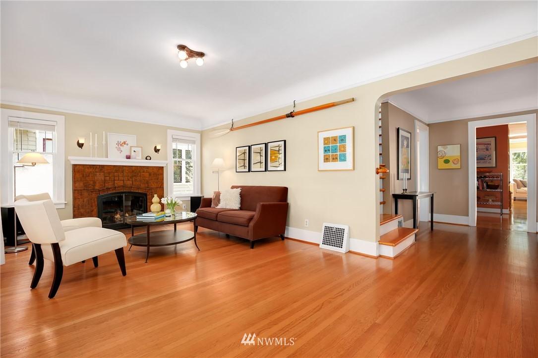 Sold Property | 2283 NE 60th Street Seattle, WA 98115 3