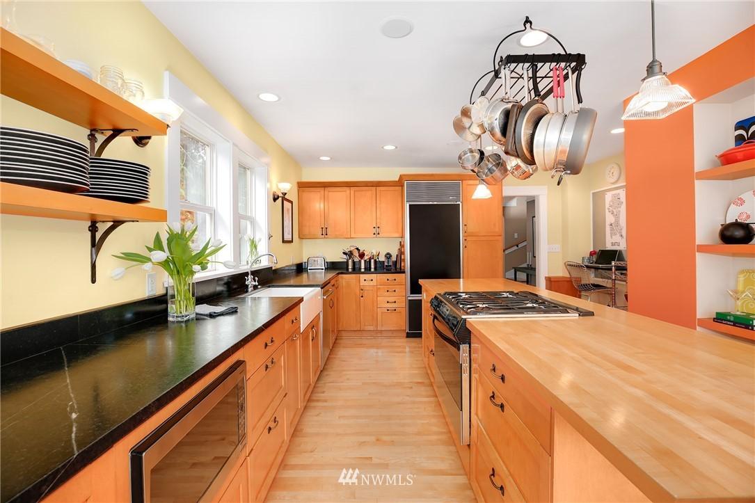Sold Property | 2283 NE 60th Street Seattle, WA 98115 5