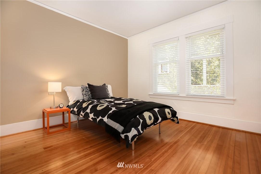 Sold Property | 2283 NE 60th Street Seattle, WA 98115 9