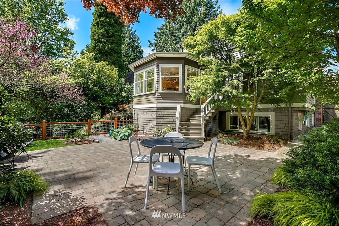 Sold Property | 2283 NE 60th Street Seattle, WA 98115 19