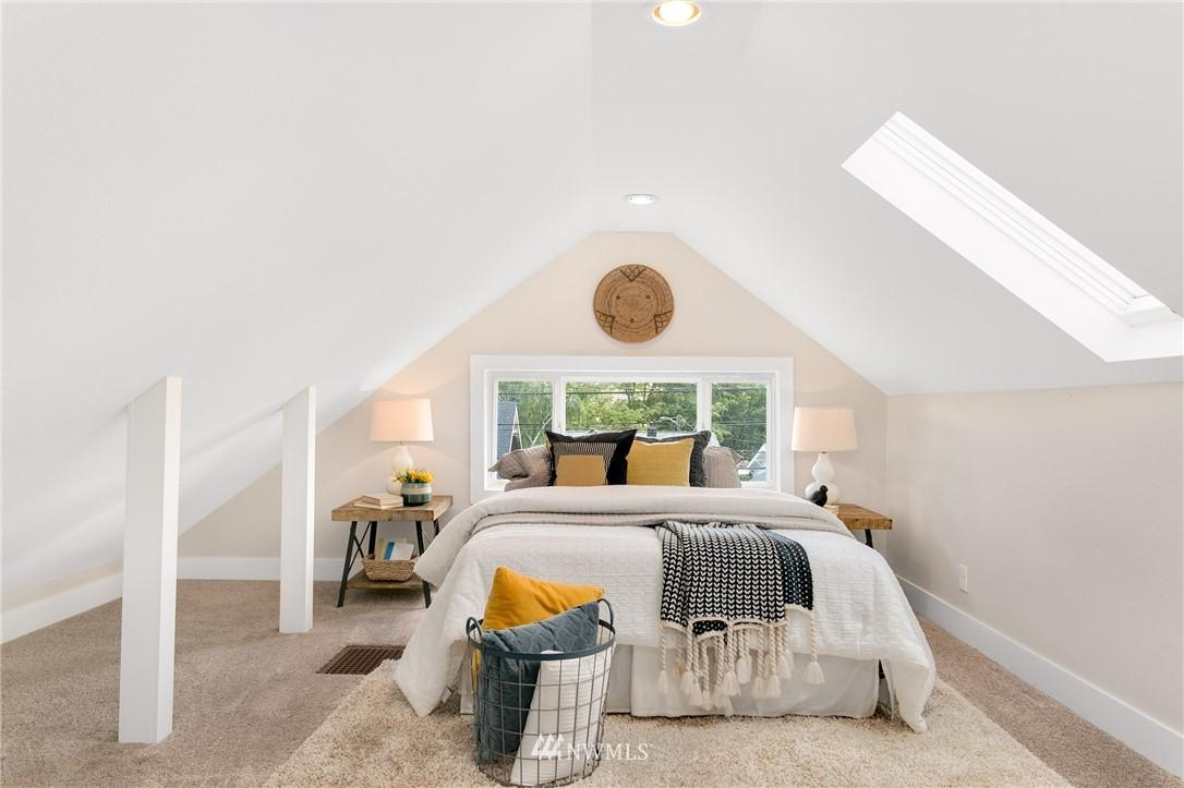 Sold Property | 6015 8th Avenue NE Seattle, WA 98115 15