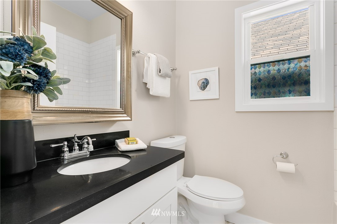 Sold Property | 6015 8th Avenue NE Seattle, WA 98115 12