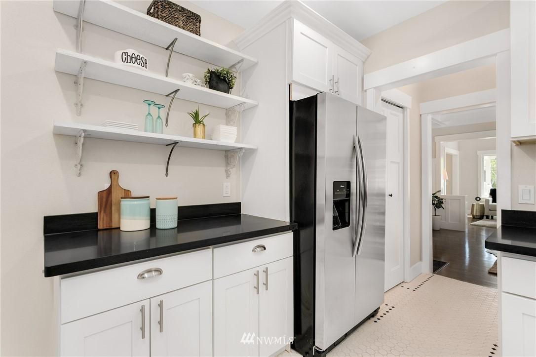 Sold Property | 6015 8th Avenue NE Seattle, WA 98115 7