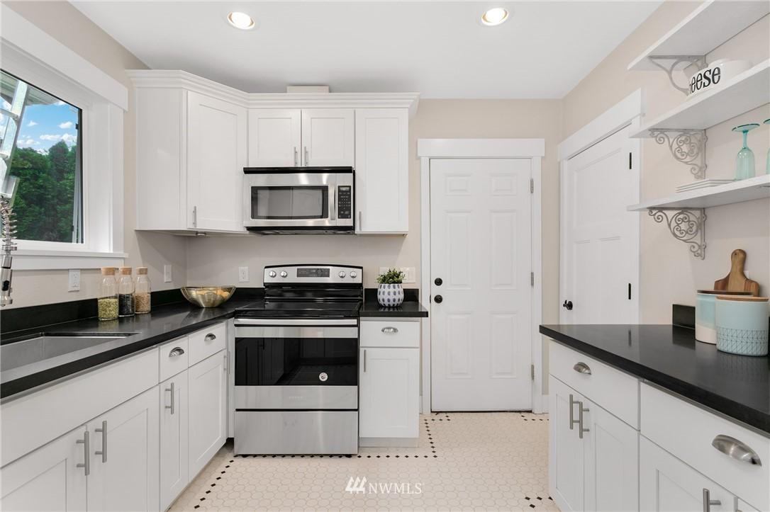 Sold Property | 6015 8th Avenue NE Seattle, WA 98115 8