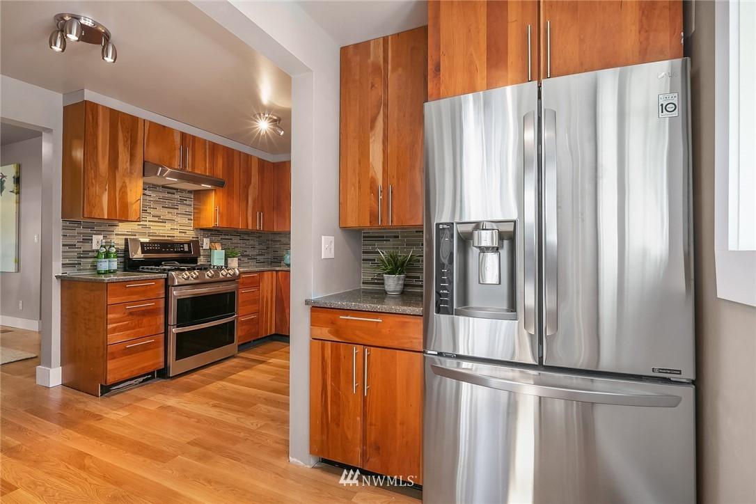 Sold Property | 1813 N 51st Street Seattle, WA 98103 9