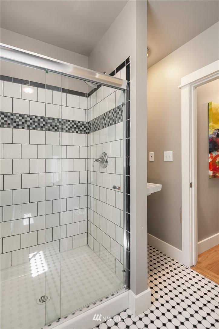 Sold Property | 1813 N 51st Street Seattle, WA 98103 17