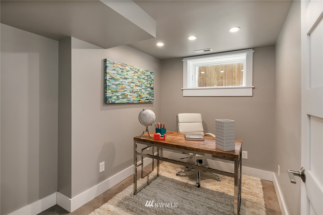 Sold Property | 1813 N 51st Street Seattle, WA 98103 19