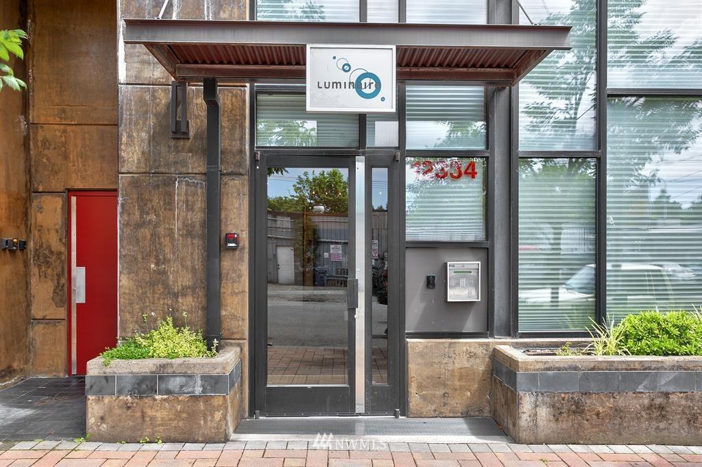 Sold Property | 12334 31st Avenue NE #504 Seattle, WA 98125 1