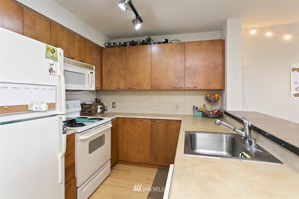 Sold Property | 12334 31st Avenue NE #504 Seattle, WA 98125 6