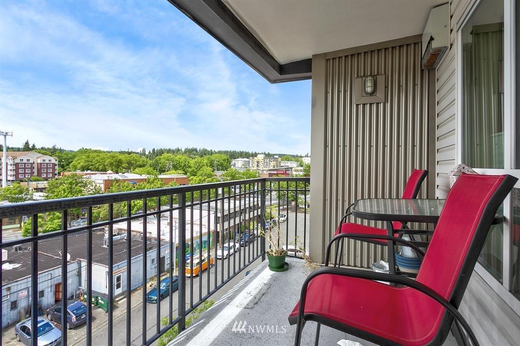 Sold Property | 12334 31st Avenue NE #504 Seattle, WA 98125 11