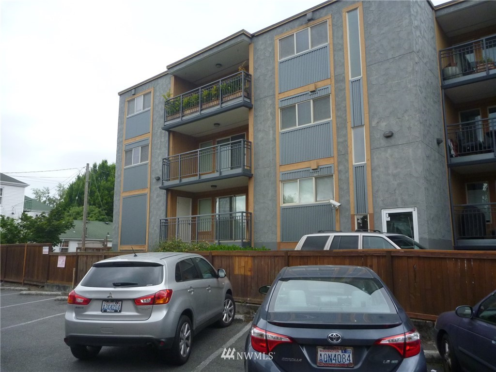 Sold Property   7925 Densmore Avenue N #302 Seattle, WA 98103 1