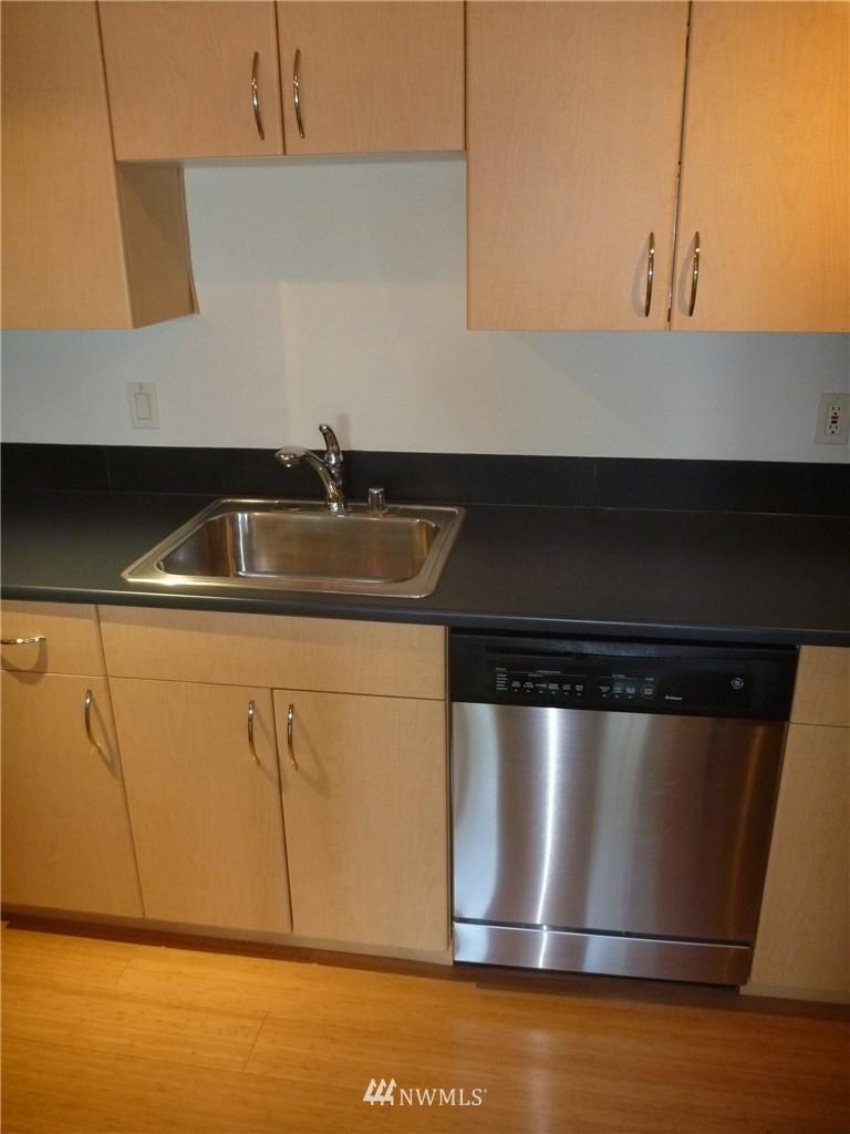 Sold Property   7925 Densmore Avenue N #302 Seattle, WA 98103 7