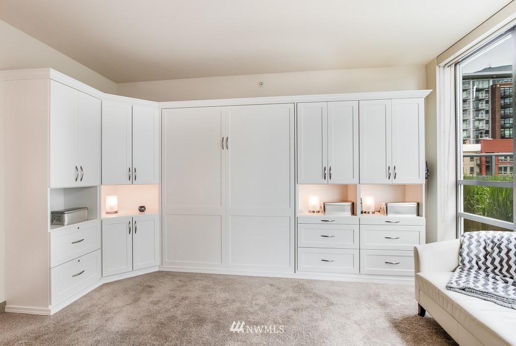 Sold Property | 2929 1st Avenue #606 Seattle, WA 98121 3