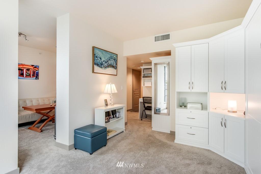 Sold Property | 2929 1st Avenue #606 Seattle, WA 98121 4