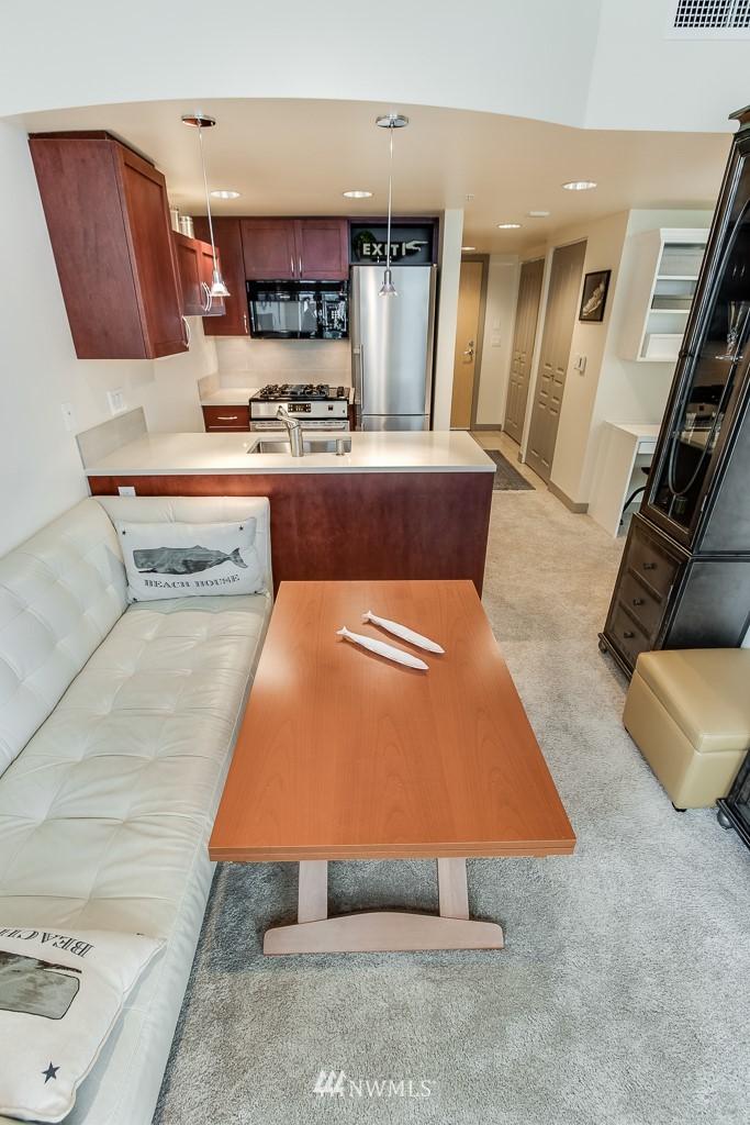 Sold Property | 2929 1st Avenue #606 Seattle, WA 98121 9