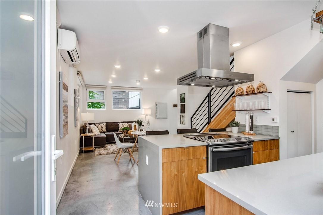 Sold Property | 208 25th Avenue E #B Seattle, WA 98112 3