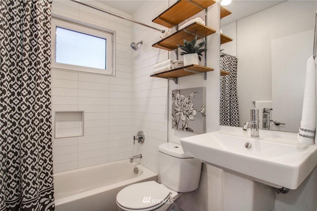 Sold Property | 208 25th Avenue E #B Seattle, WA 98112 13