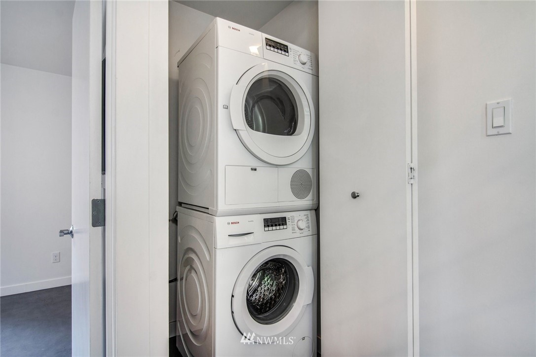 Sold Property | 208 25th Avenue E #B Seattle, WA 98112 14