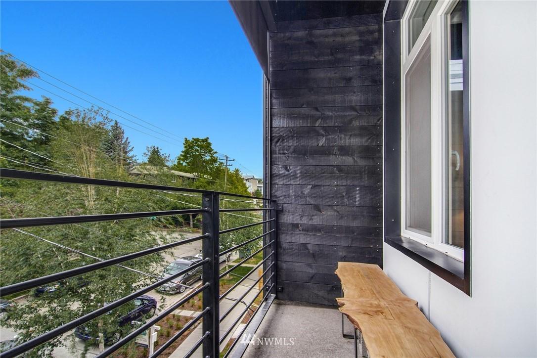 Sold Property | 208 25th Avenue E #B Seattle, WA 98112 17