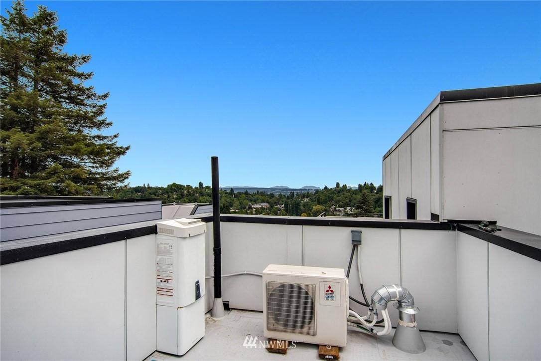 Sold Property | 208 25th Avenue E #B Seattle, WA 98112 21