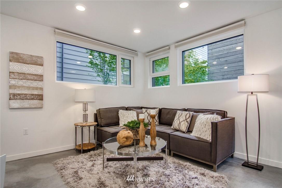 Sold Property | 208 25th Avenue E #B Seattle, WA 98112 8