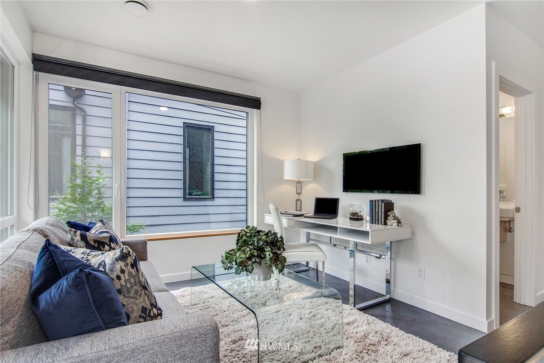 Sold Property | 208 25th Avenue E #B Seattle, WA 98112 12