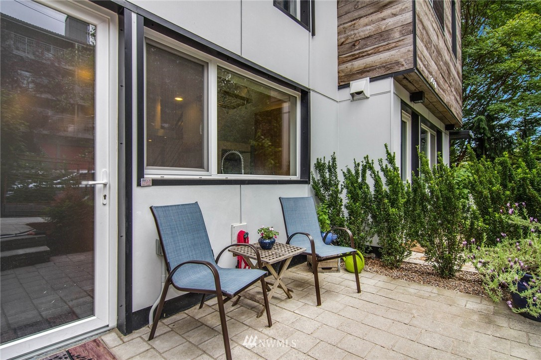 Sold Property | 208 25th Avenue E #B Seattle, WA 98112 24