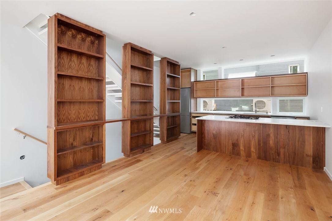 Sold Property | 732 Belmont Place E Seattle, WA 98102 3