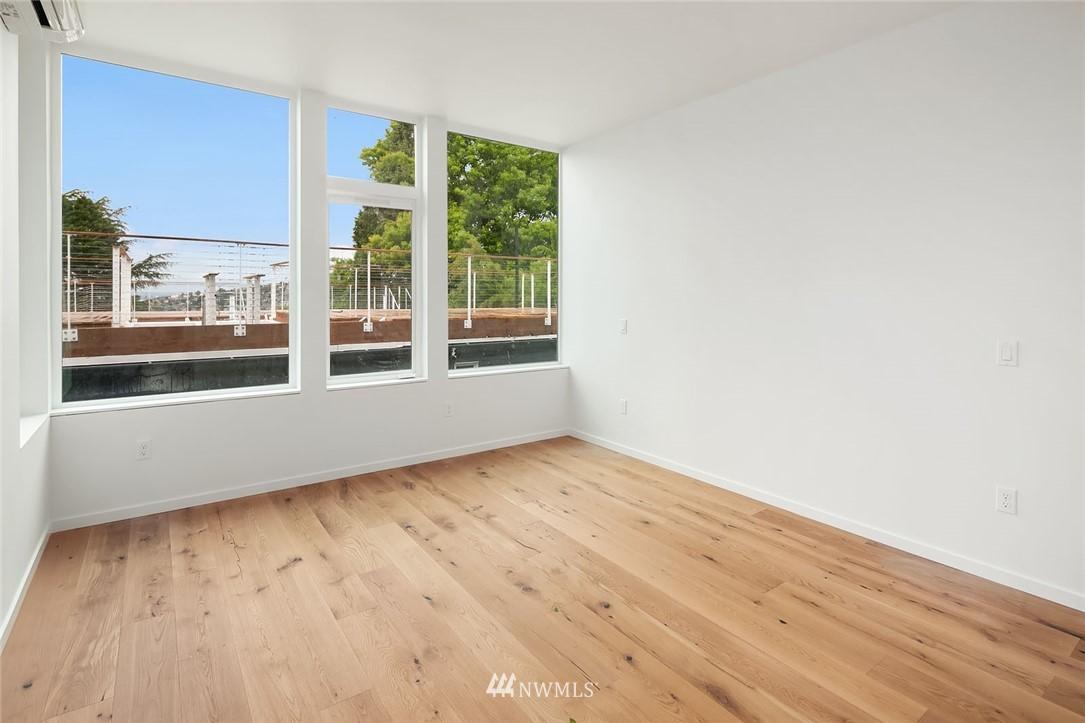 Sold Property | 732 Belmont Place E Seattle, WA 98102 4