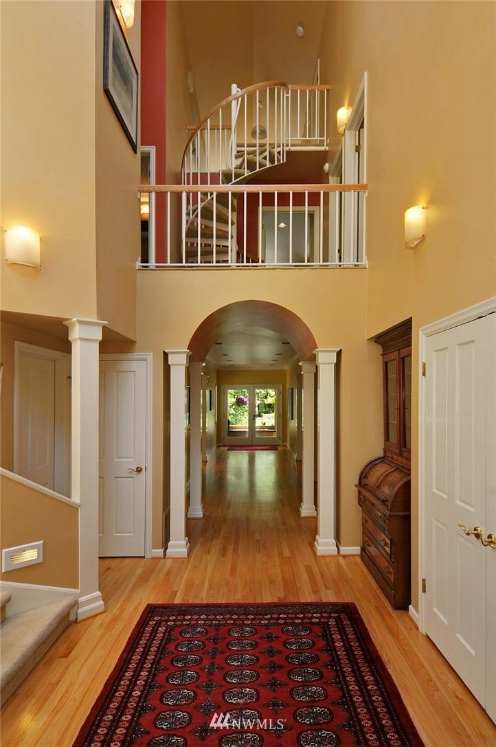 Sold Property | 8912 46th Avenue NE Seattle, WA 98115 1