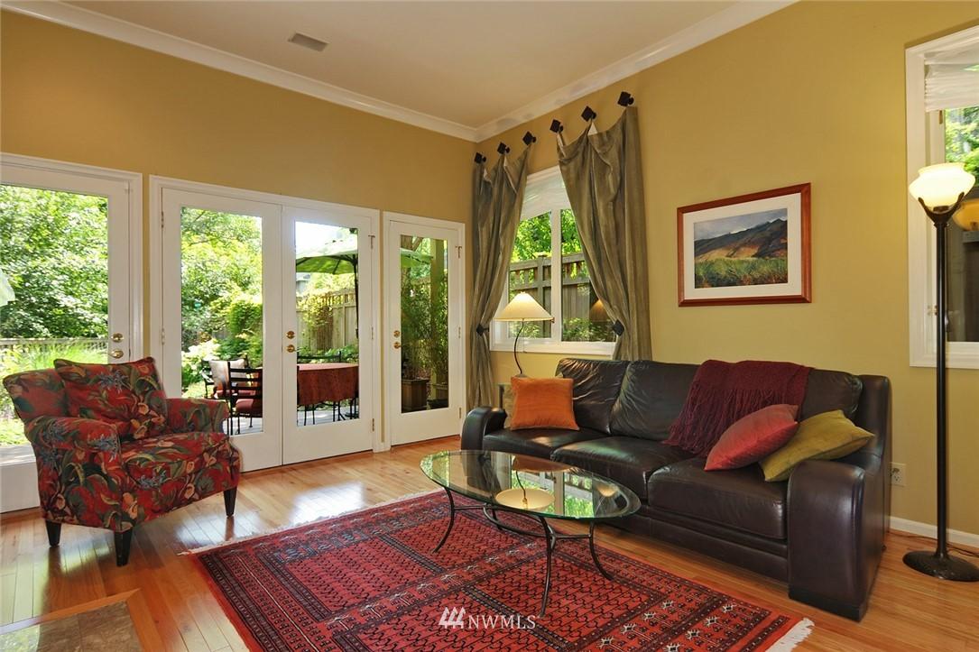 Sold Property | 8912 46th Avenue NE Seattle, WA 98115 3