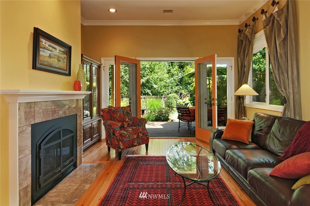 Sold Property | 8912 46th Avenue NE Seattle, WA 98115 4