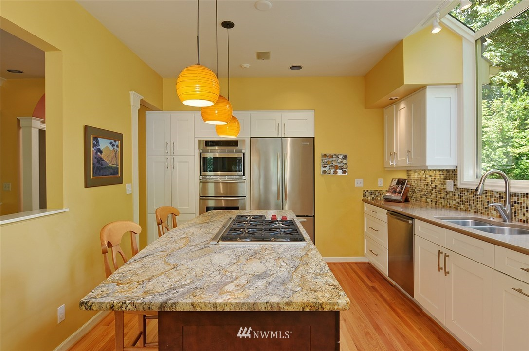 Sold Property | 8912 46th Avenue NE Seattle, WA 98115 8