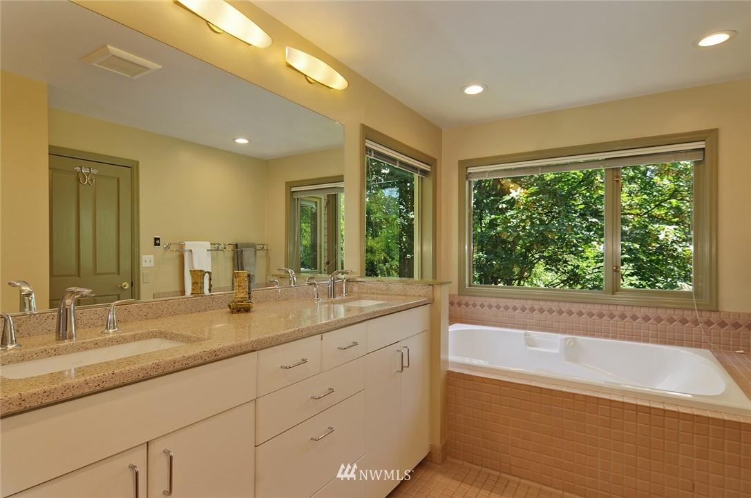 Sold Property | 8912 46th Avenue NE Seattle, WA 98115 14