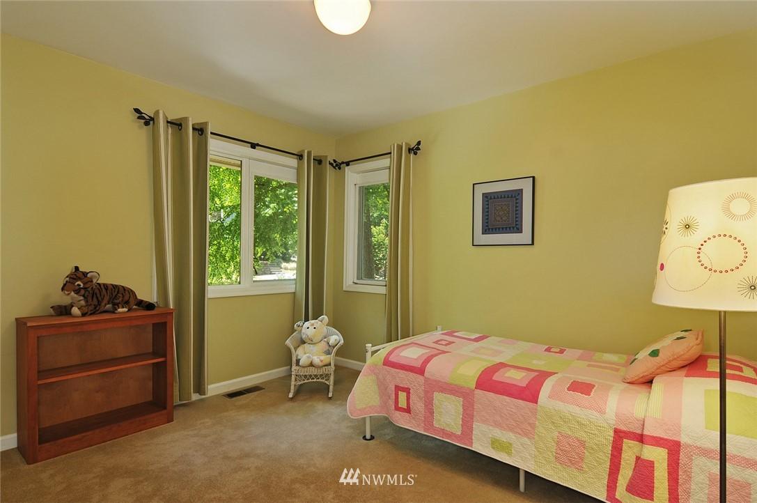 Sold Property | 8912 46th Avenue NE Seattle, WA 98115 16