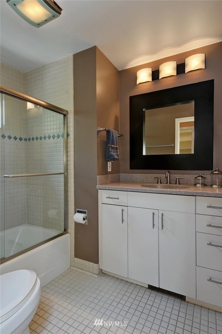Sold Property | 8912 46th Avenue NE Seattle, WA 98115 17