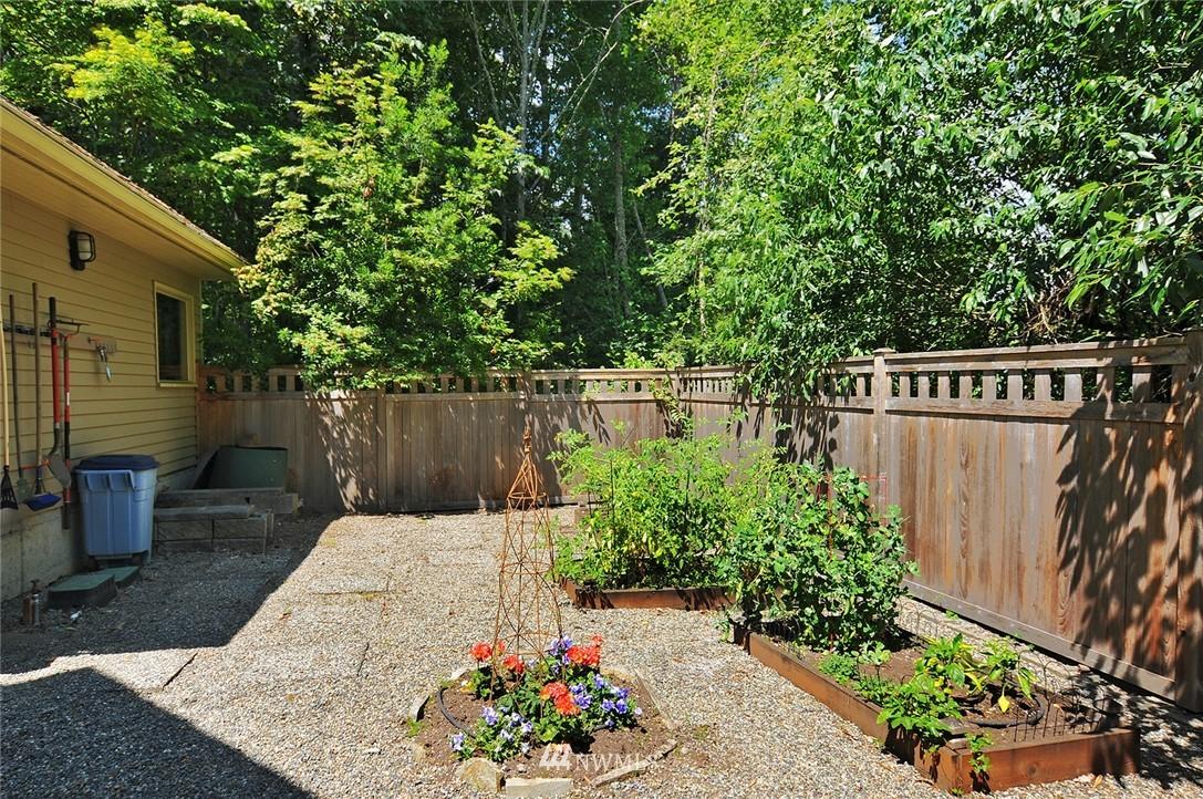 Sold Property | 8912 46th Avenue NE Seattle, WA 98115 23