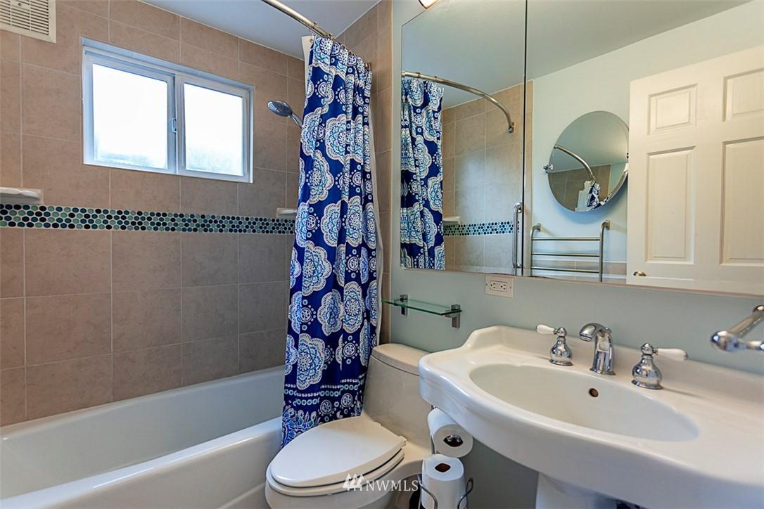 Sold Property | 14127 75 Avenue NE Kirkland, WA 98034 4